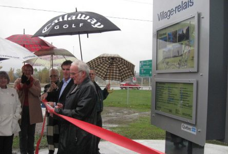 Stanstead inaugure son aire d'information Village-relais